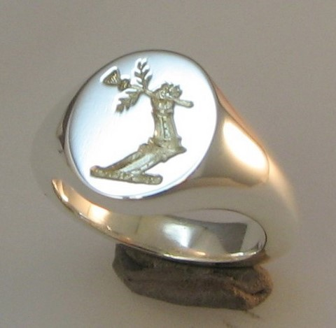 laser crest engraved arm and thistle ring